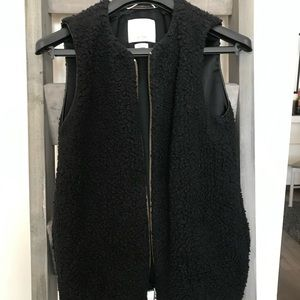 Wilfred Jackets & Coats - Black Wilfred Sherpa vest